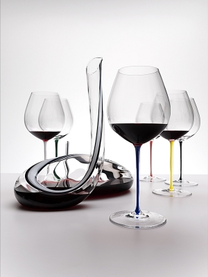 Riedel Fatto Mano Old World Pinot Noir Wine Glass